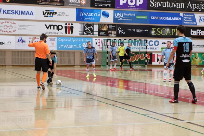 Jyväskylän futsal-joukkue Liikunnan Riemu vei tänään voiton Kaustisen Monkuloista.