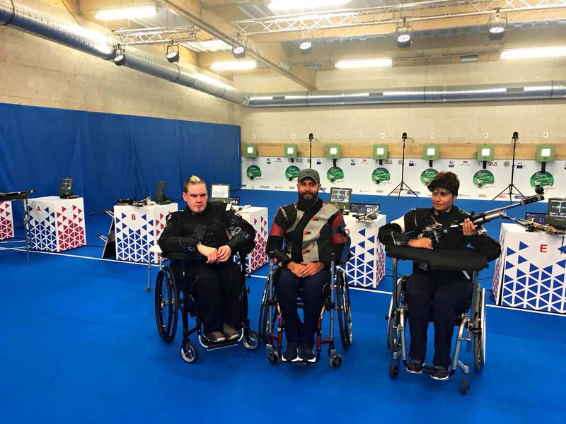 Jarkko Mylly (vasemmalla) ampui Suomelle maapaikan Tokion vuoden 2020 paralympialaisiin Ranskan Chateauroux´ssa ammutuissa Kansainvälisen paralympiakomitean (IPC) maailmancupissa.