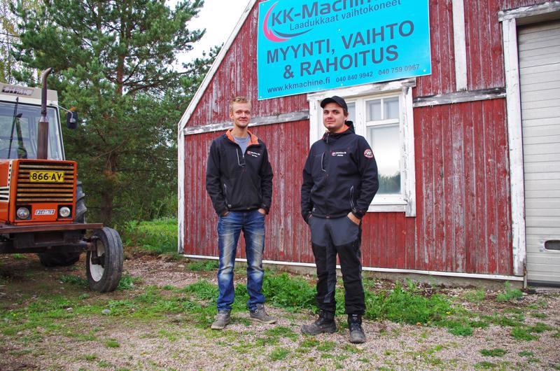 Nuoret yrittäjät Arttu Kiviniemi ja Atte Kyrölä tekevät tarvittaessa pitkääkin päivää.
