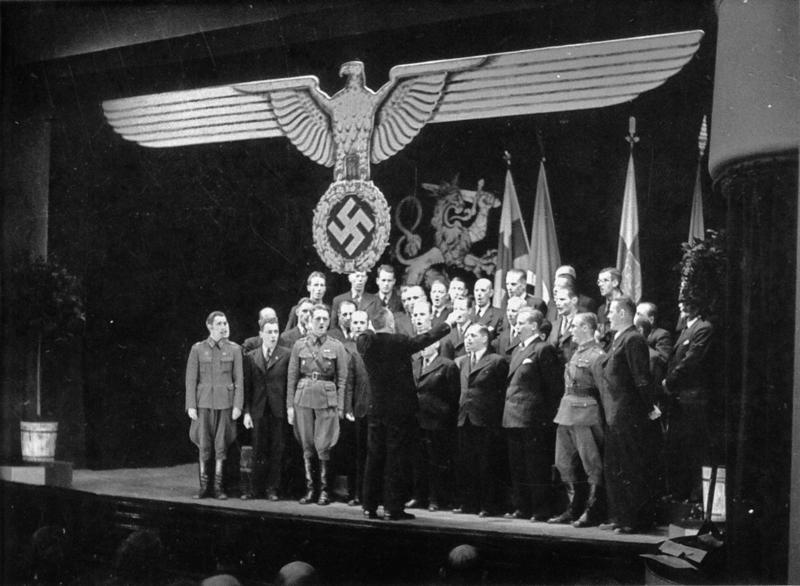 Pataljoonan kotiuttamisen jälkeen Suomessa pidettiin SS-asemiesjuhlia. Mieskuoro Laulajat esiintyi Tampereella 28. marraskuuta 1943.