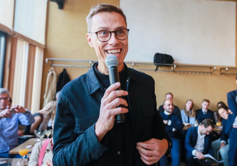 Alexander Stubb (kok.) pyrkii Euroopan ykkösvirkaan, komission puheenjohtajaksi. Hän avasi keskiviikkona vaalikampanjansa.