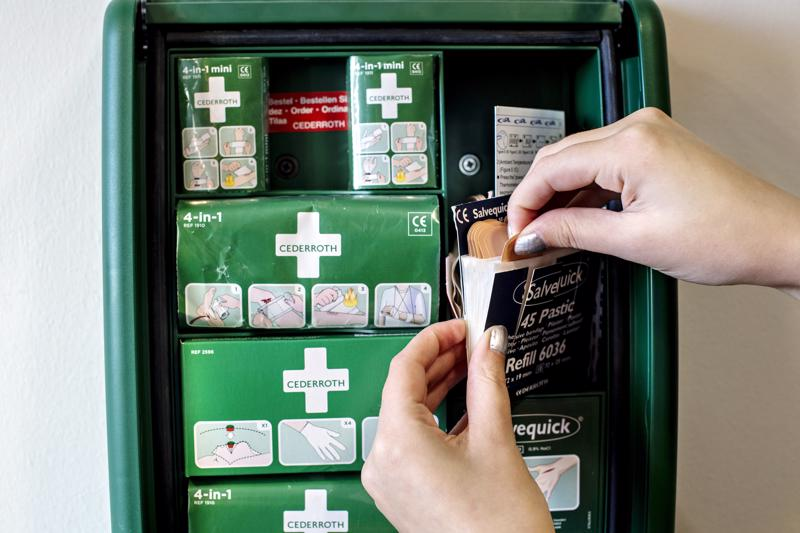Ensiaputarvikkeet ovat työnantajan vastuulla, mutta työnantajalla ei ole velvollisuutta ylläpitää lääkintävalmiutta.