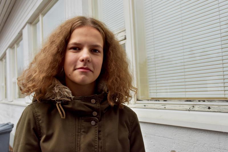Kasiluokkalainen Nelli Koukka aloitti sählyn pelaamisen seitsemännellä luokalla.