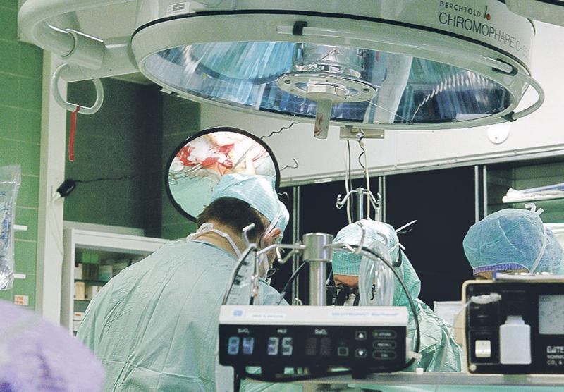 Leikkaussalien henkilökunnan sitoutumisessa infektiontorjuntaan on parantamisen varaa. Kuva ei liity jutussa mainittuun väitöstutkimukseen.
