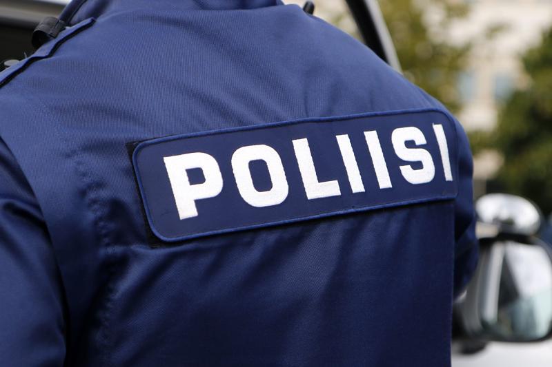 Aseen kanssa Toholammilla viime lauantaina liikkunut mies aiheutti poliisioperaation. Arkistokuva.