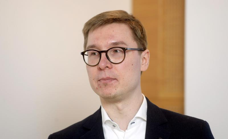 Nordean yksityistalouden ekonomisti Olli Kärkkäinen uskoo asuntolainojen kokonaiskorkojen nousevan Suomessa jo ensi keväänä.