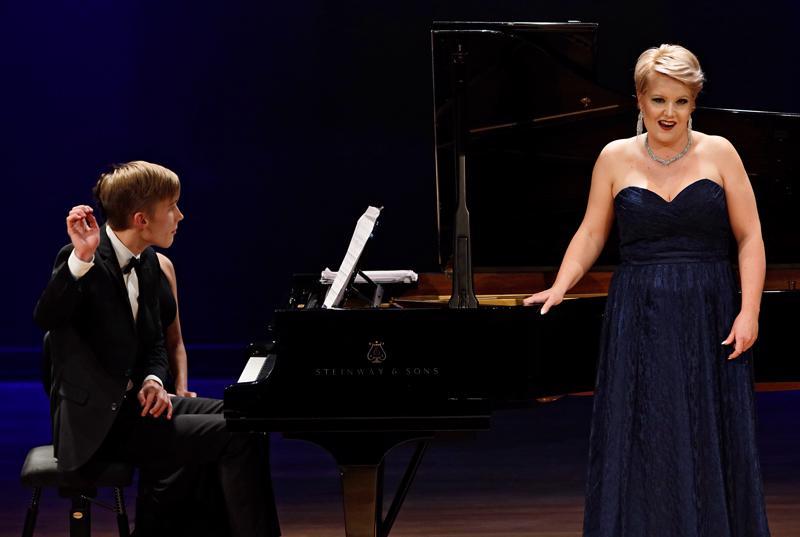 Virva Puumala ja Juho Lepistö voittivat Helsinki Lied -kilpailun.