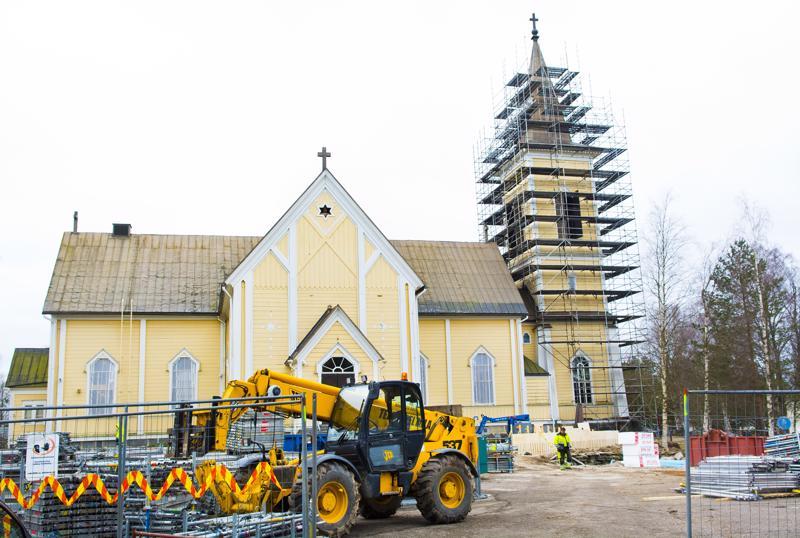 Mikäli seurakuntayhtymä perustetaan, niin talous vaikuttaisi vakaalta, vaikka kirkkoremontteja on meneillään useampia. Nivalan lisäksi myös Kalajoella. Suurin investointi tulee olemaan Ylivieskan kirkon rakentaminen.