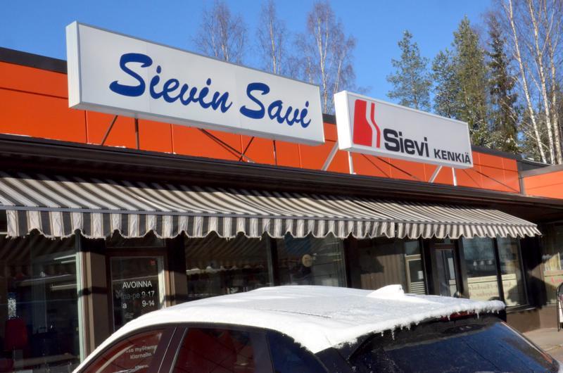 Sievi Shop on tähän asti Sievissä merkittävä liikennevirran pysäyttäjä. Myymälöitä on myös muualla Suomessa.