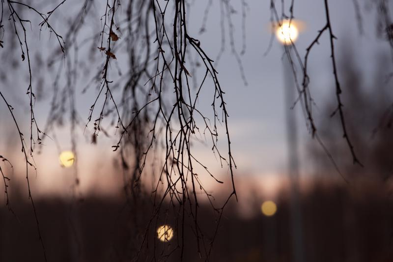 Ilmatieteen laitoksella on noin 400 eri tyyppistä säähavaintoasemaa ympäri Suomen. Sääasema Kokkolan Hollihaasta joutui lähtemään toukokuussa pelastuslaitoksen laajennuksen vuoksi.
