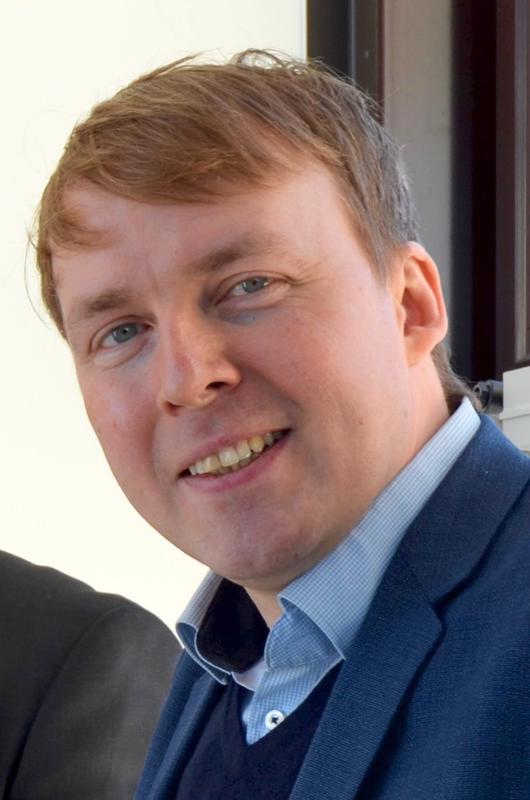 Tekniikan tohtori Matti Muhos on tullut jokilaaksoissa tutuksi mikroyrittäjyyden tutkimusryhmän tutkimusjohtajana.