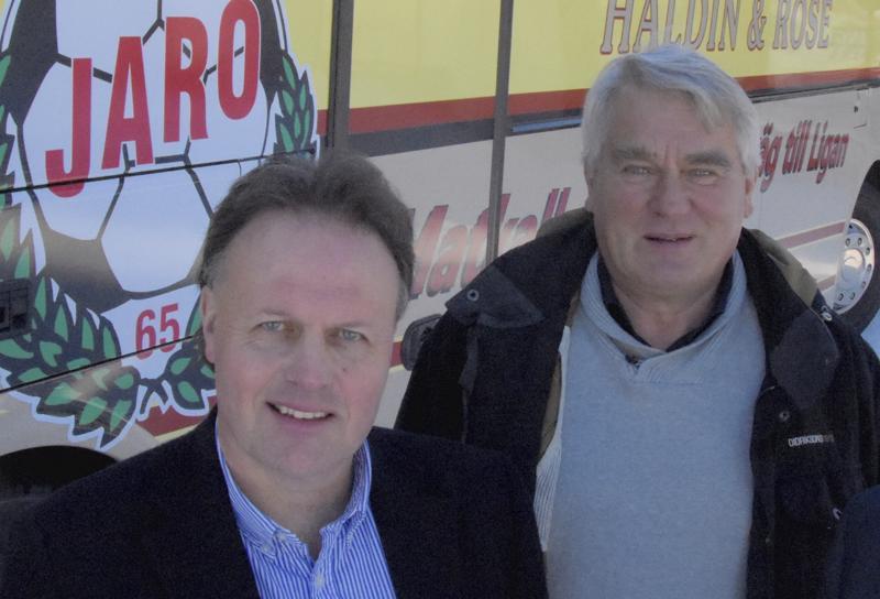 Fredrik Haga (vas) ja Harald Finne uskovat että liigaan mahtuu neljä pohjalaisjoukkuetta.