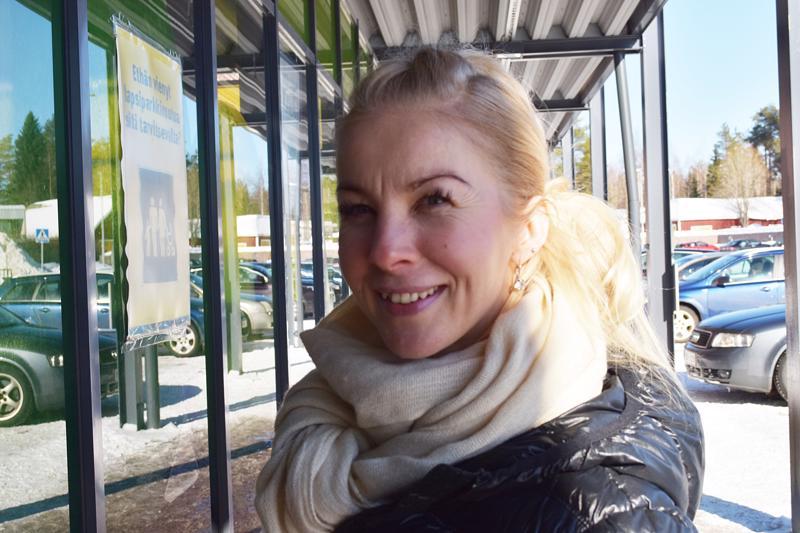 Sanna Käräjäoja on esiopettaja, erikoispitkien matkojen ultrajuoksija ja pian myös maan kuulu kotileipuri.