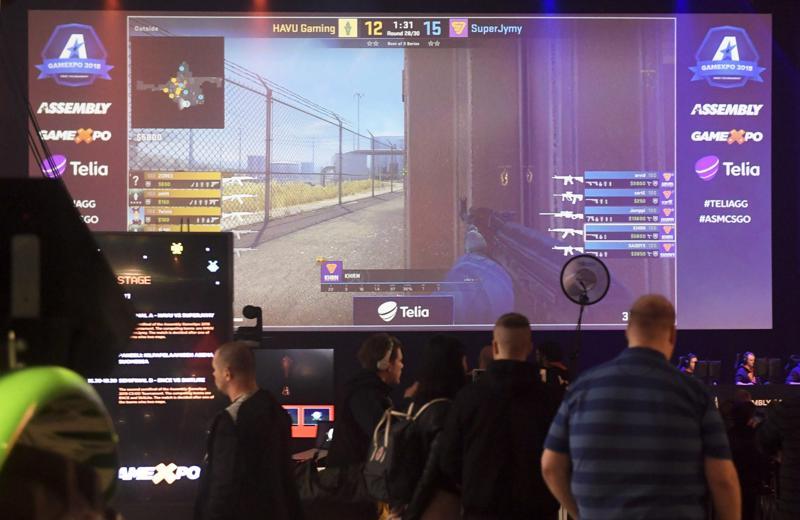 Perinteiset urheiluseurat ovat myös mukana e-urheilussa ja sotkamolainen SuperJymy taisteli  GameXpo-messuilla Messukeskuksessa Helsingissä.