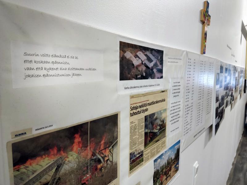 Surun nostaminen seinälle oli osa traumatisoivan kokemuksen työstämistä.