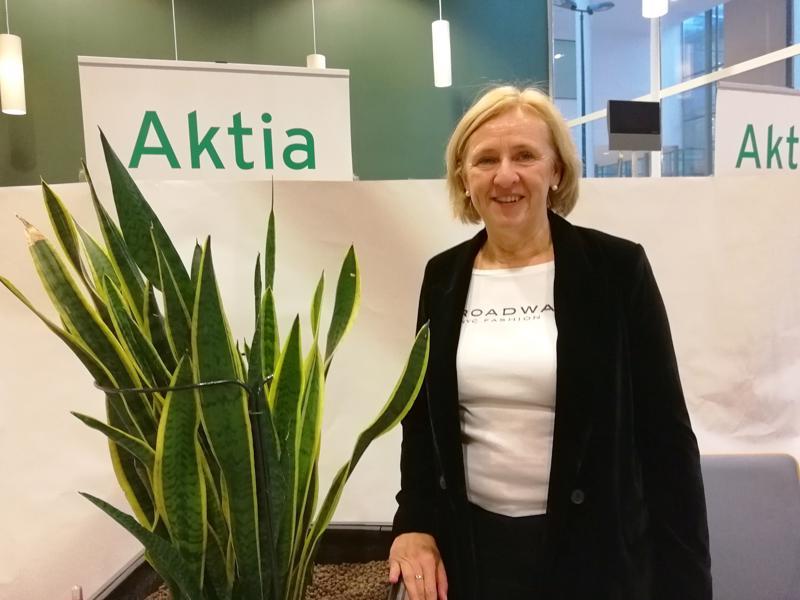 Pietarsaaren yksityisasiakkaista vastaavan Gita Hasselin mukaan asiakkaat ovat olleet kiinnostuneita käteisen postituksesta.