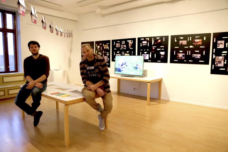 Antti Hintsa ja Jari Eklund pyörittävät tämän viikon lasten ja nuorten kulttuuritapahtumaa SNAP-valokuvafestivaalia Taidekartanolla.