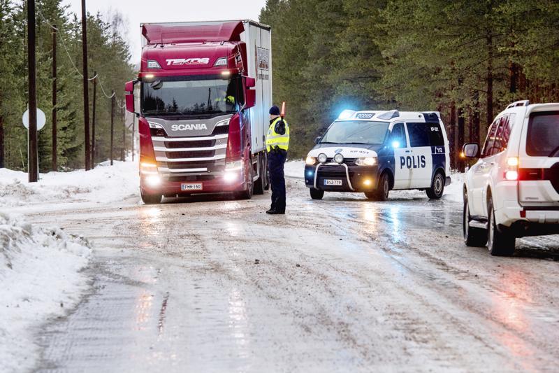 Tuoko teiden kunnossapitoluokkien muutos avun pääkallokeleihin? Arkistokuva talvelta 2018 Teerijärveltä.