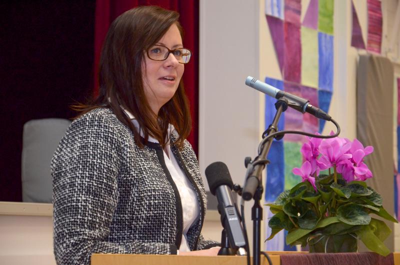 Kaupunginjohtaja Maria Sorvisto toteaa, että Ylivieskassa on todella tärkeää, että koulutilat ovat asianmukaiset, terveet ja turvalliset kaikille.