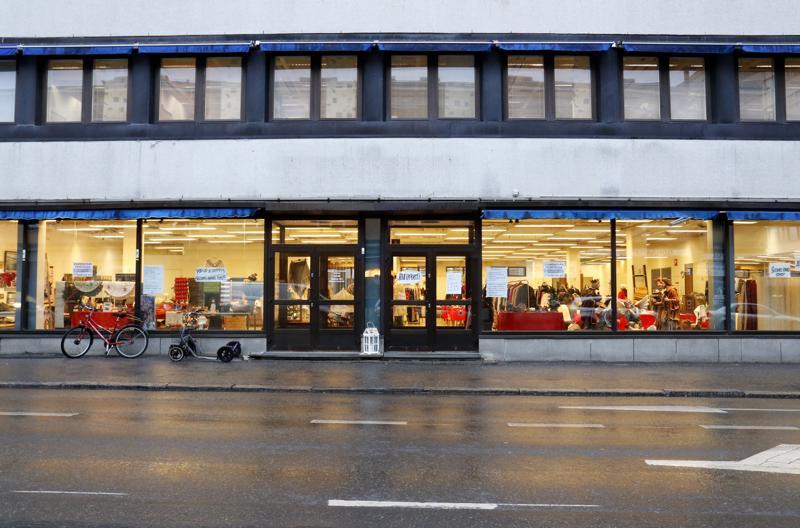 Jouluinen pop up -kirppis on avattu Eurokankaan entisiin tiloihin Kokkolassa.
