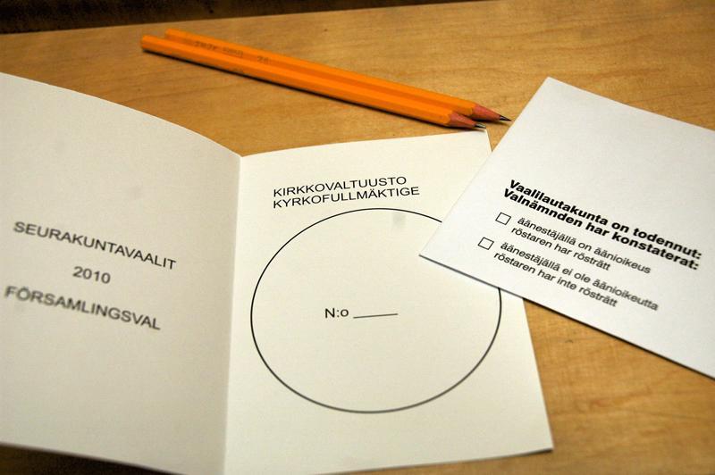Noin 14 prosenttia äänioikeutetuista käytti valtaansa seurakuntavaaleissa.