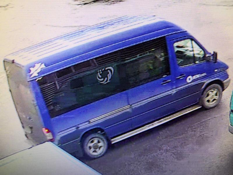 Turvakamerakuva varastetusta autosta.