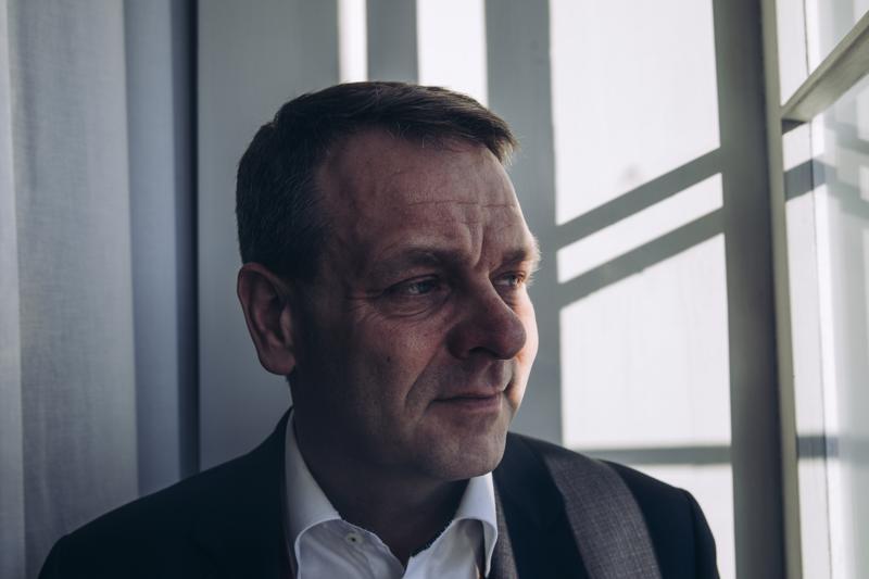 Jan Vapaavuori ei STT:n uutisen mukaan sulje pois Helsingin irtautumista perinteisestä edunvalvojastaan Kuntaliitosta ja pitää mahdollisena suurten kaupunkien yhteistyötä.