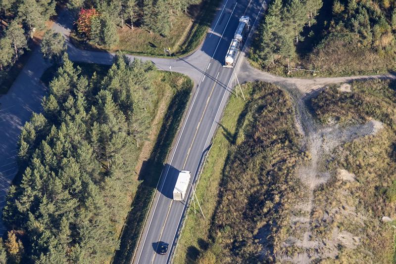 Kasitiellä voidaan jo 3-5 vuoden kuluttua nähdä digitaalisia rekkaletkoja, joista vain ensimmäisen auton kuljettaja on ajovuorossa.