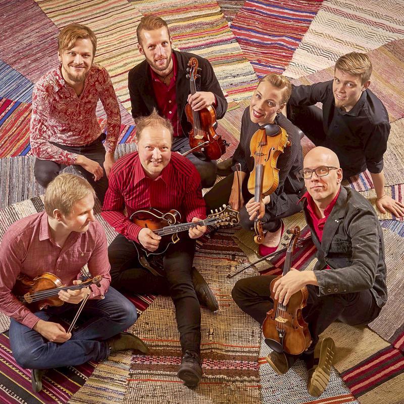 Friggissä soittavat Tommi Asplund, Anssi Salminen, Petri Prauda, Tero Hyväluoma, Alina Järvelä, Esko Järvelä ja Juho Kivivuori.