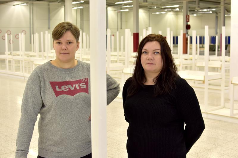 Susanna Pitkänen ja Tiina Mäkihonka avaavat kirppiksen entisen Erkin Hallin tiloihin.