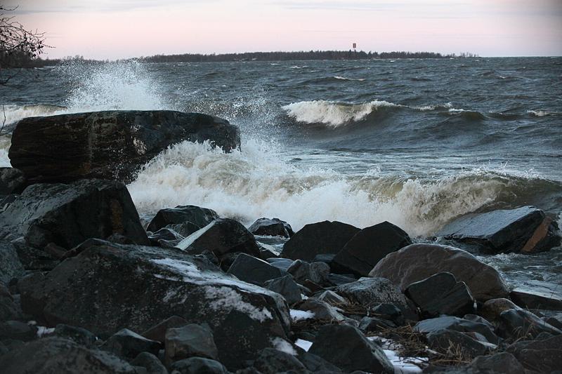 Perämerelle ennustetaan myrskyä tostaille ja perjantaille.