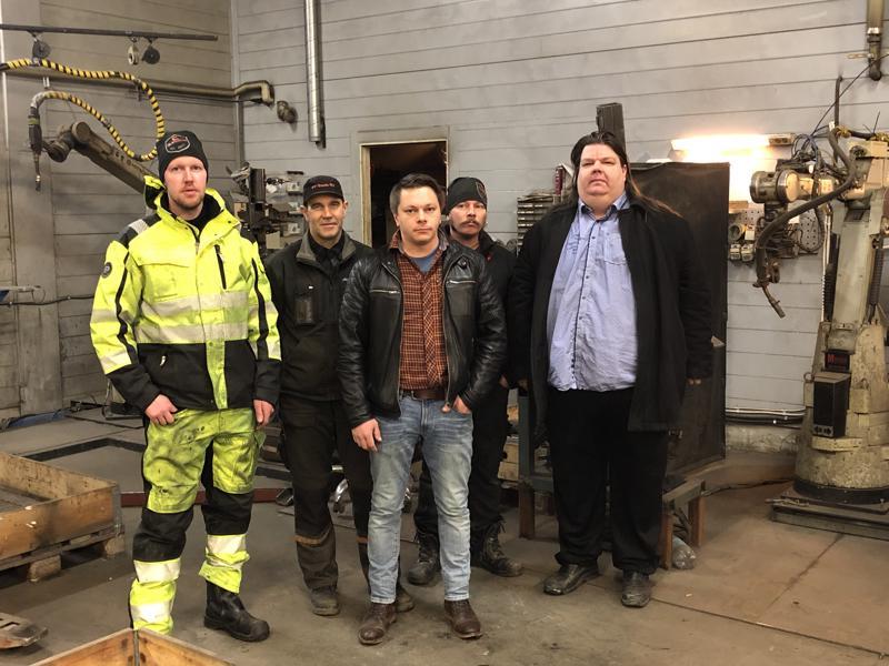 Maepro Oy on Perhon vuoden 2018 yritys. Osakkaat mukaan lukien yrityksessä työskentelee kuusi henkilöä, joista kuvassa ovat Sami Alaspää, Erlend Piholaan, Kimmo Mäenpää, Markus Mäenpää ja Petri Mäenpää. Kuvasta puuttuu Seppo Mäenpää.