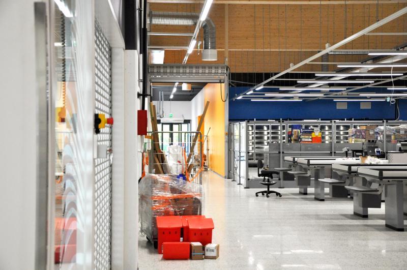 Kauppakeskukset lisääntyvät Suomessakin tasaiseen tahtiin. Joko niitä on riittävästi? Viimeisimmän  pääkaupunkiseudulle nousseen Redin asiakasvirrat eivät ole tyydyttäneet kauppakeskuksen kauppiaita.