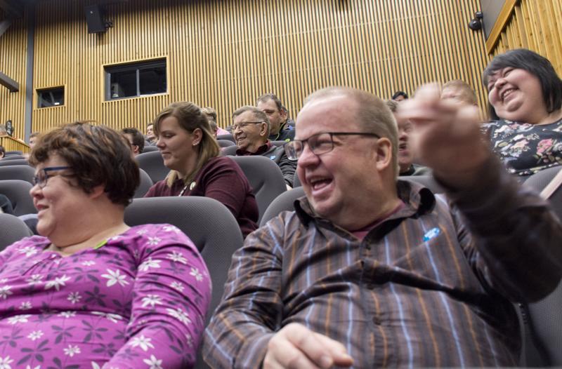 Yleisöllä oli hauskaa.