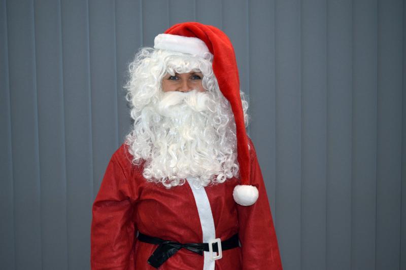 Joulupukki 6.Ex-futismestari kehittää elinkeinoelämää kellon alla.