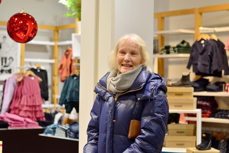 Maj-Len Enlund tuli Kokkolaan jouluostoksille Pietarsaaresta.