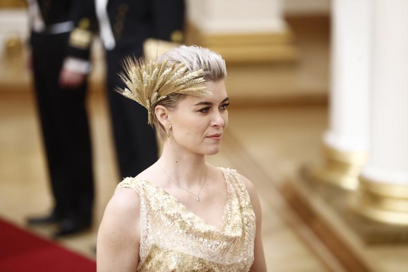 Susanna Kosken hiuskoriste herätti huomiota tv-lähetyksessä.
