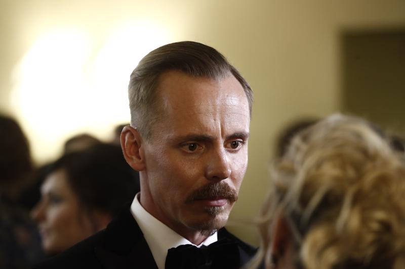 Jasper Pääkkönen sai antaa haastatteluja joka suuntaan illan mittaan.