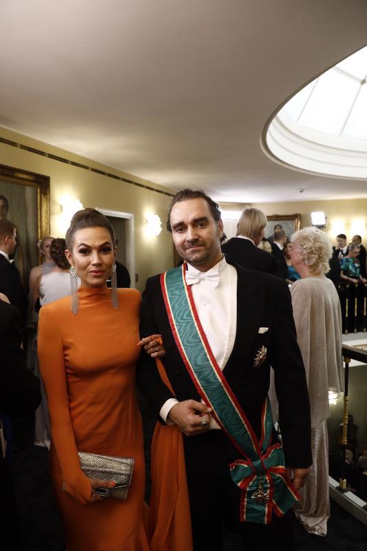 Krista ja Mikko Paasi viihtyivät Linnan juhlissa.