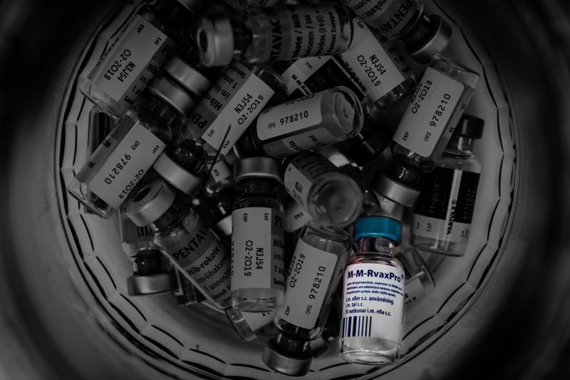 Tuhkarokkorokote M-M-RvaxPro:ta on annettu Kolpin vastaanotolla 550 henkilölle Luodossa marraskuun lopulla todetun tuhkarokkotapauksen jälkeen.