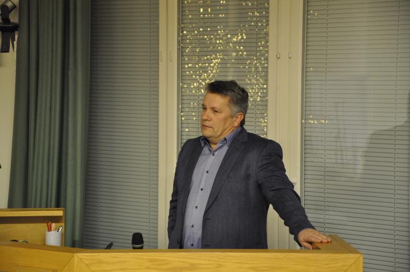 Ari Huuki (sd.) sai esityksen Rekilä-Roikola-tien perusparannuksesta läpi Kannuksen budjettivaltuustossa.