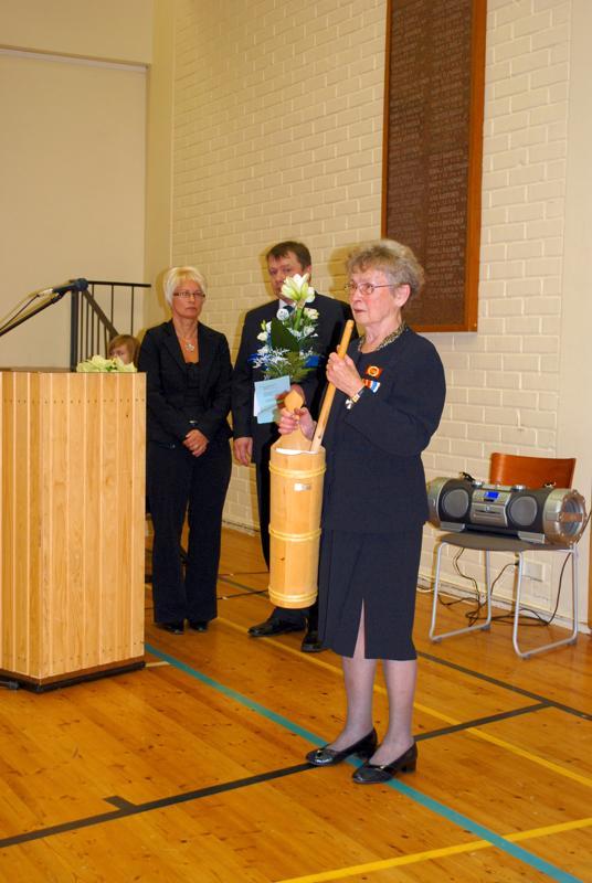 Anja Pöyhönen oli palkittu Kulttuurikirnulla aktiivisesta kulttuuritapahtumiin osallistumisesta ja sotaveteraanityöstä. Kirnu luovutettiin Anjalle itsenäisyyspäivän juhlassa.