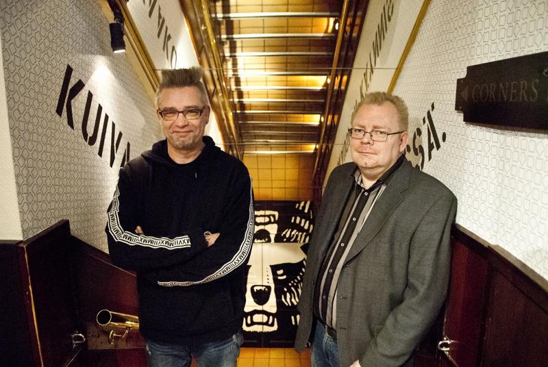 Mika Hietanen (vas.) ja Jani Kangas toivovat talon täyttyvän kävijöistä Pukkirokki-tapahtumassa.