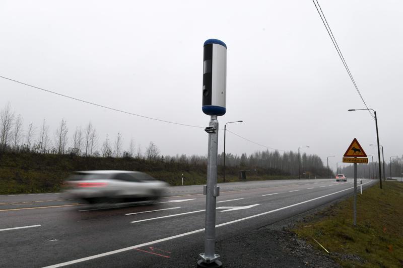 Nopeusvalvontakameran ohitse tulevaisuudessa pientä ylinopeutta ajava voi saada maksettavaksi rikesakon sijaan liikennevirhemaksun.