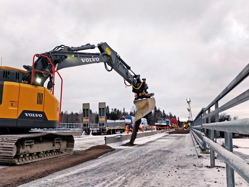 Lammassaaren uusi silta on valmistumassa, se avataan liikenteelle talveksi ja suljetaan uudelleen keväällä mm. asfaltointia varten.