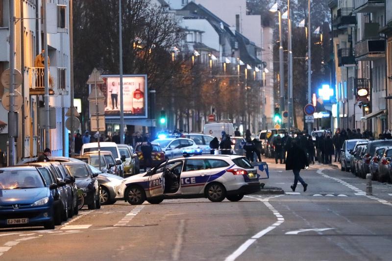 Viimeinen poliisin operaatio alkoi Strasbourgin keskustan eteläpuolella kello 22 Suomen aikaa ja johti epäillyn kuolemaan.