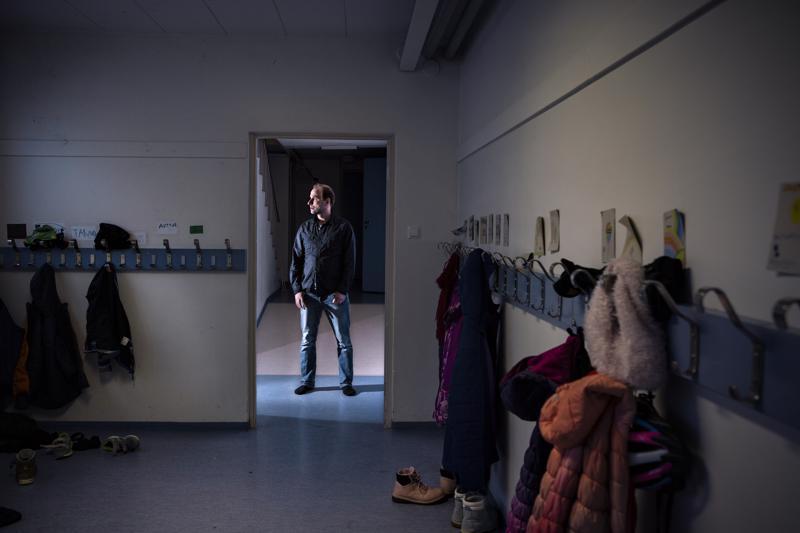 Kälviän Marttilan koulun opettaja ja vararehtori Petri Kykyri kertoo noin neljäs- tai viidesosan koulun oppilaista saaneen WhatsApp-sovelluksen kautta kutsun jopa itsemurhaan yllyttävään haasteeseen.