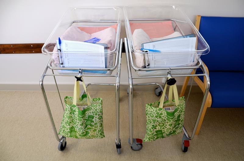 Vauvojen sänkyjä ei tarvita kohta enää Oulaskankaalla.