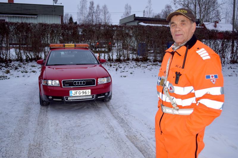 Tiepalvelun vapaaehtoinen Heikki Jylkkä lähtee taas auttamaan joulumatkalaisia tien päälle.