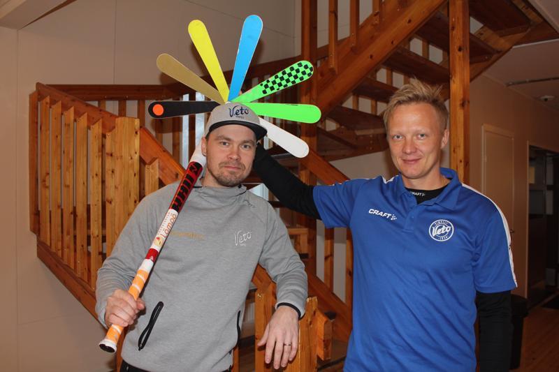 Vimpelin Vedon pelinjohtajaksi siirtynyt Markku Hylkilä (oik.) on tyytyväinen siitä, että Sami Haapakoski jatkaa joukkueessa.